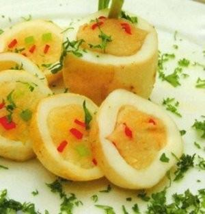 Món mực nhồi xôi đặc biệt hấp dẫn và ngon miệng