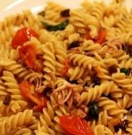 Món pasta xào mực xốt cà chua ngon và bổ